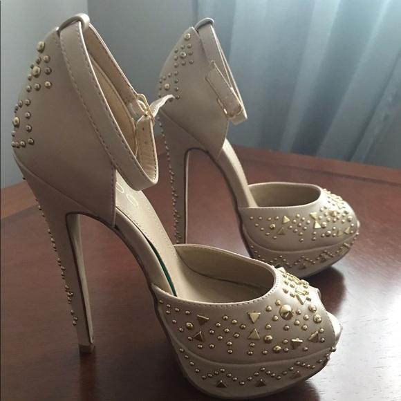 Aldo cream coloured heels! Size 6
